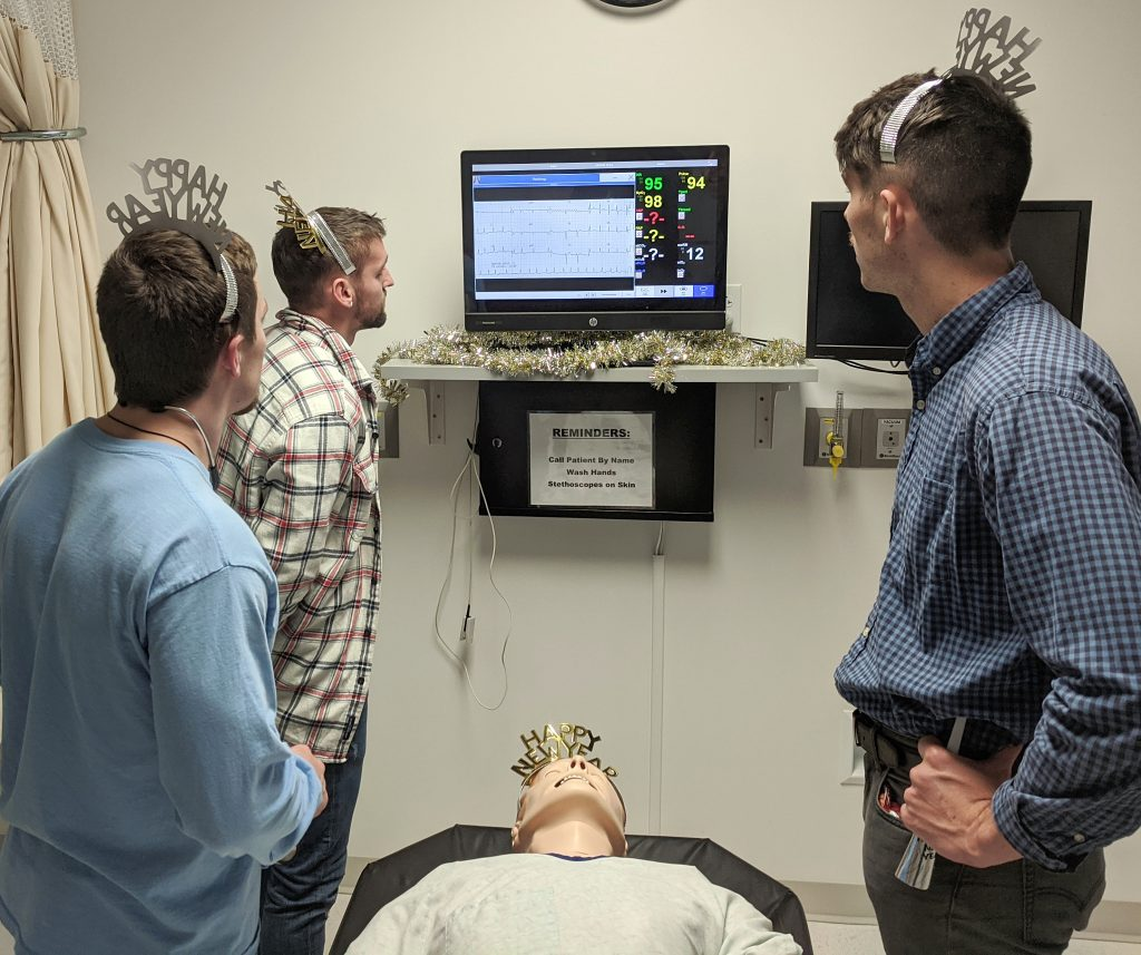 A.T. Still University-Kirksville College of Osteopathic Medicine (ATSU-KCOM) students work in the simulation lab.